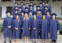 UNAB celebró graduación de 38 nuevos doctores