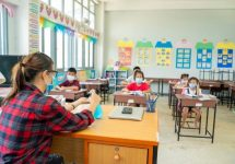 """Experto en Salud Pública advierte: """"No están las condiciones para que colegios reanuden las clases presenciales"""""""